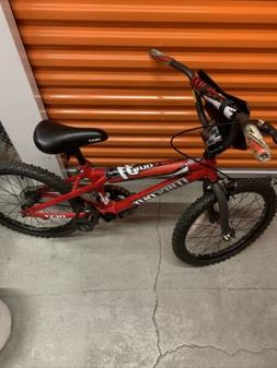"Dynacraft 20"" Wipeout Boys Bike Ages 7 to 9 Heights 38"" and"