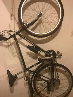 Specialized Hardrock Vintage Touring Road Bike- 26 inch fram