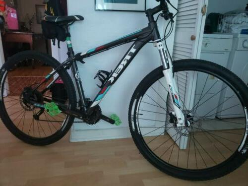 Trek Marlin 7 Mountain Bike