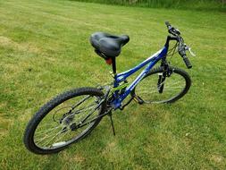 Mongoose Ledge 2.1 Mountain Bike