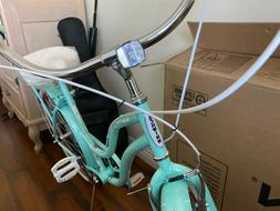 Schwinn women's Perlia bike